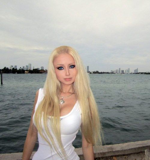 Kultur - german.china.org.cn - Zweite lebende Barbie aus