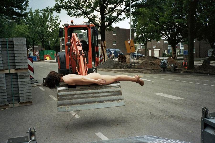 Nackt Auf Der Baustelle