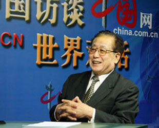 Anlässlich des 40. Jubiläums der Aufnahme diplomatischer Beziehungen zwischen China und Deutschland hat der ehemalige chinesische Botschafter in Deutschland, Mei Zhaorong, in einem Exklusivinterview mit China.org.cn über die umfassenden Beziehungen beider Länder gesprochen.