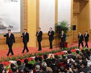 Mitglieder des Ständigen Ausschusses des Politbüros stellen sich der Presse