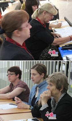 Am letzten Samstag haben die beiden Finalrunden zum nationalen Wettbewerb 'Jugend debattiert in China' und zum ebenfalls nationalen Wettbewerb 'Wald der Talente' stattgefunden. Dabei haben nicht nur die Schülerinnen und Schüler ausgezeichnet debattiert und gespielt, sondern die Jurymitglieder der beiden Wettbewerbe waren auch sehr konzentriert.