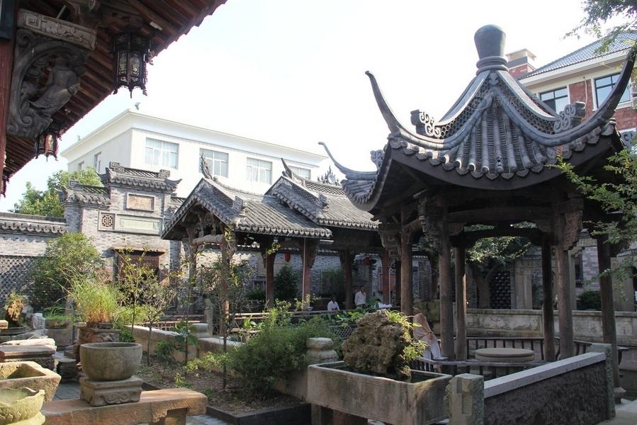 china dorfbewohner renoviert altes. Black Bedroom Furniture Sets. Home Design Ideas