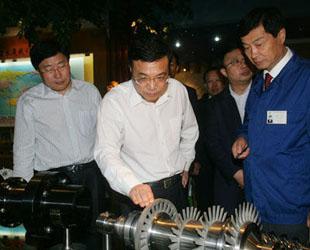 Auf einem Wirtschaftssymposium prägte der chinesische Ministerpräsident Li Keqiang vor kurzem die Formulierung 'Goldenes Gleichgewicht'. Ein solches Gleichgewicht im Sinne eines goldenen Mittelweges gelte es zwischen Müssen und Können, zwischen Optimierung der Wirtschaft und Erhaltung eines vernünftigen Wachstums zu finden.