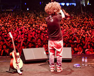 Die jüngsten Zahlen zeigen, dass die Anzahl an Musikfestivals in China bis zum Jahr 2010 bereits auf 92 gestiegen ist. Musikliebhaber, die nach China kommen, erleben neben einer großartigen Landschaft auch kulinarische Spezialitäten und verschiedene Musikstile. China.org.cn stellt daher die zehn besten chinesischen Musikfestivals vor.