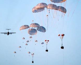 Um die Kampfsfähigkeit der Luftlandekräfte zu verstärken, hat China im März 2005 für die Luftlandetruppen ein Hubschrauber-Geschwader aufgestellt, damit die chinesischen Fallschirmjäger die Luftlandung nicht nur mittels Fallschirmsprung sondern auch mittels Hubschraubern durchführen können.