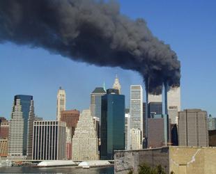 Die Terroranschläge am 11. September 2001 waren vier koordinierte Flugzeugentführungen mit anschließenden Selbstmordattentaten auf wichtige zivile und militärische Gebäude in den USA.