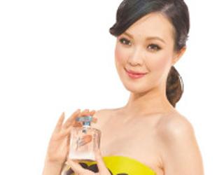 Nach Angaben der taiwanesischen Zeitung 'Chinatimes' suchen viele Liebespaare online Angebote für Qixi-Geschenke. Denn mit dem Herannahen des chinesischen Valentinstag an diesem Samstag klettern die Preise einschlägiger Waren wie immer nach oben.