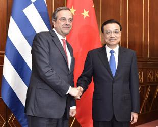 Der chinesische Ministerpräsident Li Keqiang hat am Donnerstagvormittag in Mailand den griechischen Ministerpräsidenten Antonis Samaras getroffen. Li äußerte, China wolle mit Griechenland die umfassende strategische Partnerschaft auf einem höheren Niveau fördern.