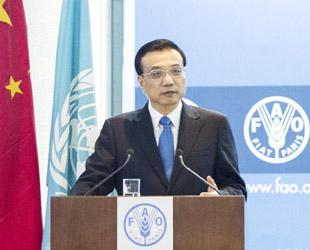 Am FAO-Hauptsitz in Rom hat Premier Li die internationale Gemeinschaft zu mehr Zusammenarbeit im Agrarbereich aufgefordert. Zudem versprach er, dass China seine Unterstützung weiter erhöhen wird, um den Hunger auf der Welt zu bekämpfen.