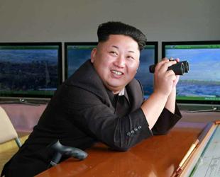 Nordkoreas Staatschef Kim Jong-un hat kürzlich die Truppenverbände Nr. 526 und Nr. 478 der Volksarmee besucht und die Soldaten bei der Gefechtsübung angewiesen. Dies berichtete die nordkoreanische Nachrichtenagentur KCNA am 24. Oktober.