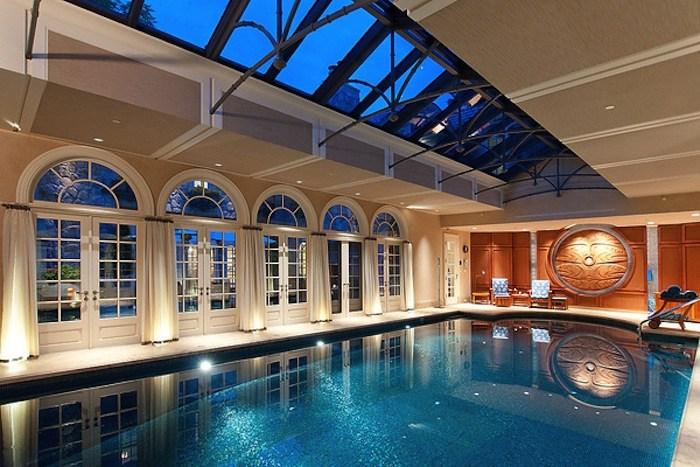 luxuriöse Villa zeder verkleidung fassade