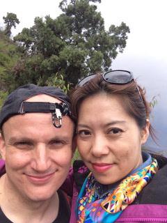 """Michael Bergbauer (38) führt das, was man klassischerweise als """"Mischehe"""" bezeichnet. Der ge-bürtige Bayer ist seit acht Jahren mit einer Chinesin verheiratet und lebt mit ihr und der gemein-samen Tochter Selina in Beijing."""