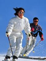 Einer der größten Vorteile, die dies der Weltolympiade bringt, besteht darin, dass mehr Menschen in die Eis- und Schneesportdisziplinen involviert werden. Laut Statistiken hat China zurzeit eine Gesamtbevölkerung von 1,36 Milliarden Menschen, wovon etwa 400 Millionen Jugendliche sind.