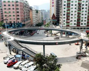 In Sichuan wurde vor kurzem eine Überführung errichtet, für welche 9,07 Millionen Yuan investiert wurde. Wegen des unpraktischen Designs ist jedoch kaum jemand bereit, über diese neue Überführung zu gehen.