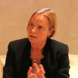 Seit 2006 ist die gebürtige Wienerin Dr. Petra Stolba Geschäftsführerin der Österreich-Werbung (ÖW). Im Interview mit China.org.cn erzählt Dr. Stolba über die Chancen, aber auch die Herausforderungen, die der chinesische Markt für den österreichischen Tourismus bringt.