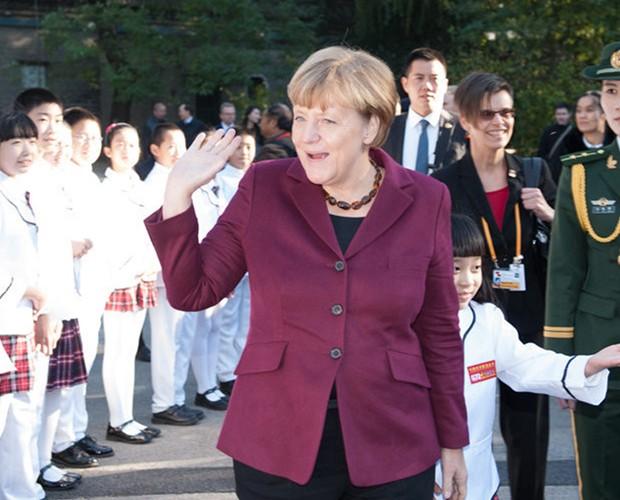 Am Donnerstagnachmittag (Ortszeit) nahm Bundeskanzlerin Angela Merkel während ihres 8. China-Besuchs am Bergedorfer Gesprächskreis in Beijing statt. Sie hat zu der Rolle Chinas in der internationalen Ordnung eine Rede gehalten und mit den anwesenden Teilnehmern Meinungen ausgetauscht.