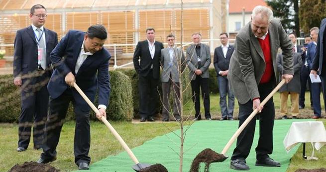 Xi Jinping trifft tschechischen Pr?sidenten