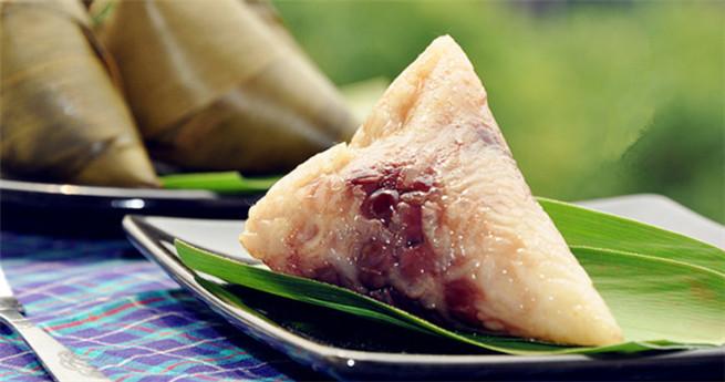 Rezept zum Drachenbootfest: Zongzi gefüllt mit rote Datteln, Adzukibohnen und Erdnüssen