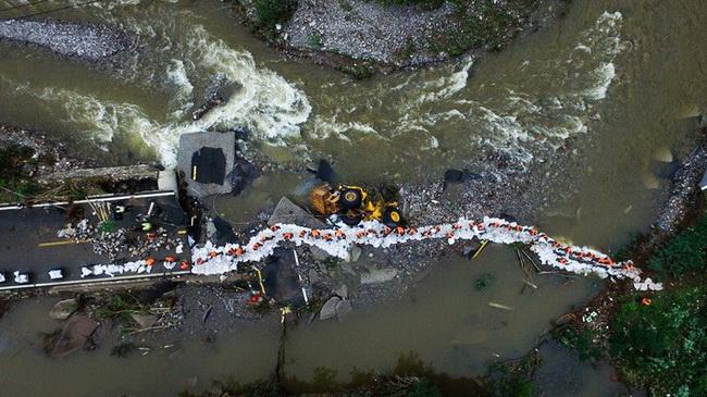 Gebirgshochwasser sucht Beijinger Vorort heim