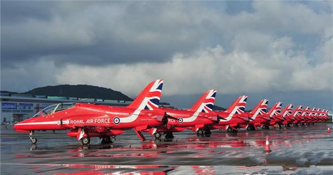 Großbritanniens Red Arrows für chinesische Flugschau in Zhuhai