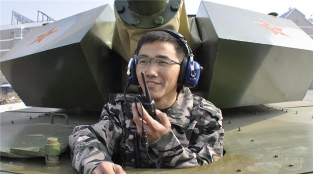 Chinesen bauen selbstgemachten Panzer
