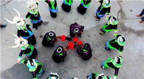 Miao-Volk in Guangxi feiert die Orangen-Ernte