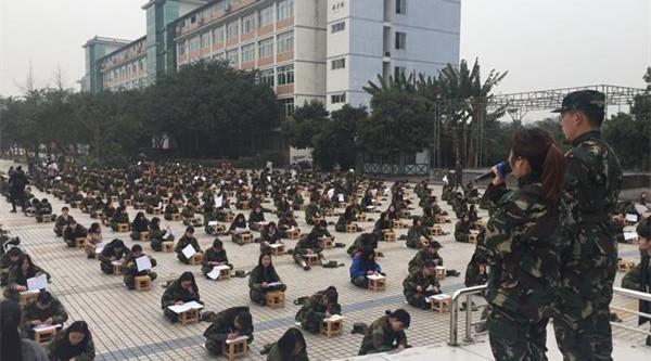Südchina: Prüfung unter freiem Himmel