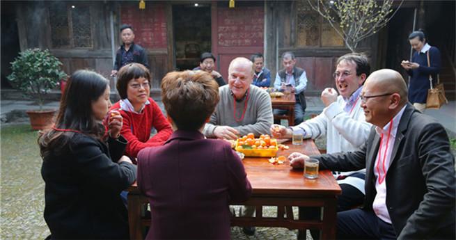 Ausländer wirbt für Tourismus in chinesischem Dorf