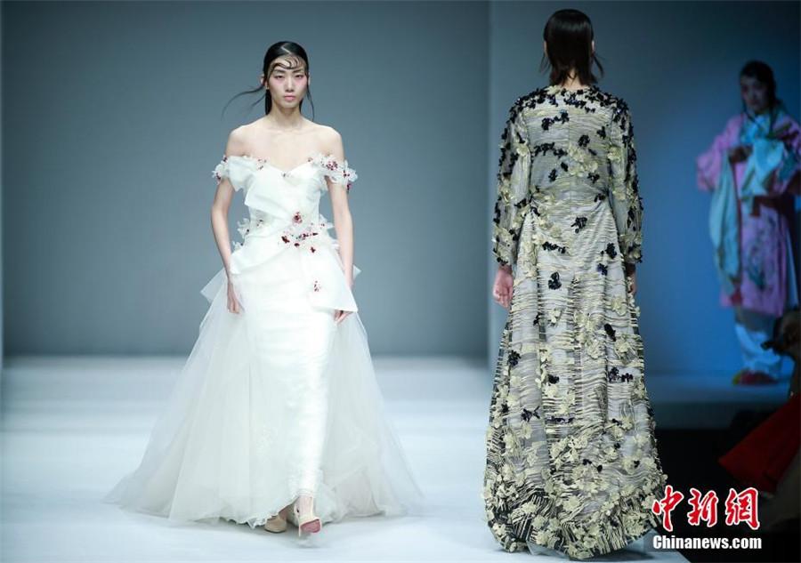 China Show Week: Brautkleid im neuen Design_China.org.cn