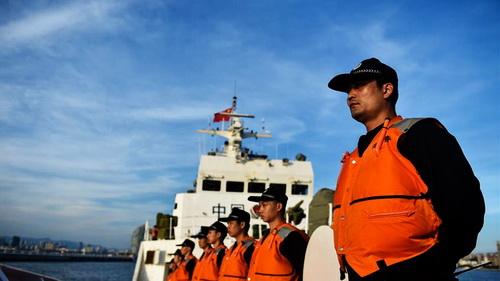 Chinesische und vietnamesische Küstenwache inspizieren gemeinsam