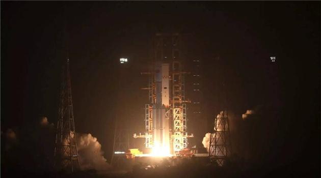 """Chinas erster Raumfrachter """"Tianzhou 1"""" (auf Deutsch """"Himmelsschiff"""") ist am Donnerstagabend gegen 19.41 Uhr erfolgreich ins Weltall gestartet."""
