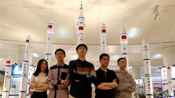 Technikstudenten aus Harbin schicken Satelliten ins All