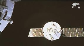 Chinesischer Weltraumtransporter dockt an Raumlabor an