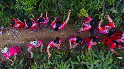 Hunan,Yao-Volk , Drachenbootfest