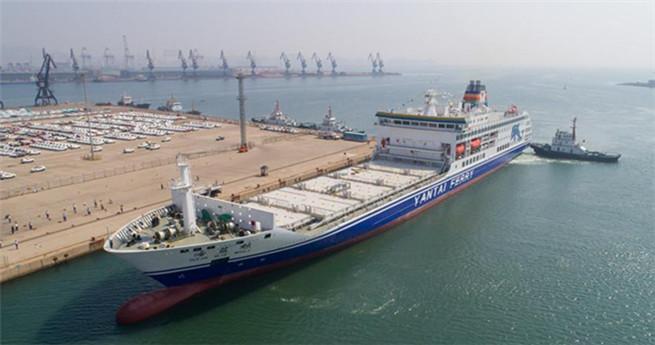 In China produziertes Passagier-Container-Schiff steht kurz vor der Jungfernreise