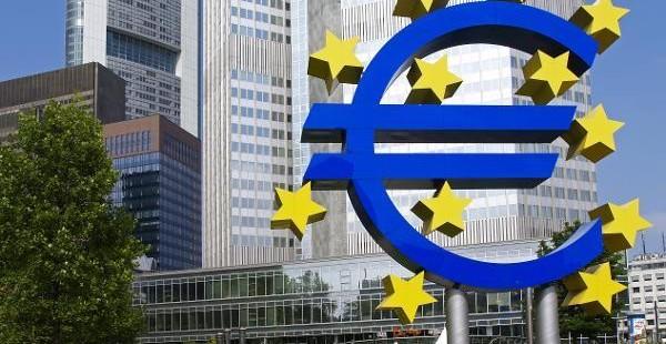 EZB tauscht US-Dollar-Reserven für 500 Millionen Euro in chinesische RMB