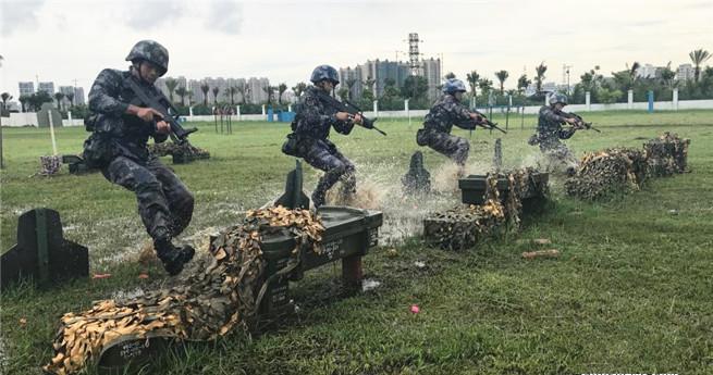 Trainingsalltag der chinesischen Soldatinnen
