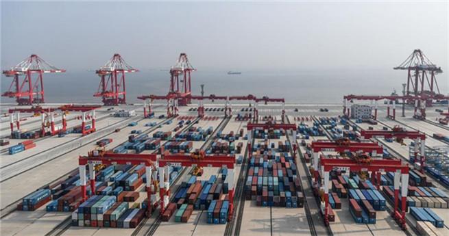 Weltweit größter automatischer Hafen geht Ende 2017 in Betrieb