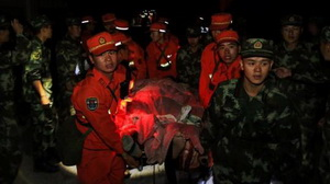 Erdbeben in Sichuan: Trotz Erdrutsch setzen Soldaten Rettungsdienste fort