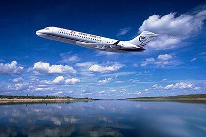 ARJ21小型旅客機の飛行時の予想図 計画では、このARJ21機は今年...  国産ARJ21機