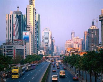 深セン市統計局は28日、2007年深セン国民経済発展状況に関する速報データを発表した。それによると、同市2007年の1人当たりのGDPは1万628ドルで、中国で初めて1万ドルを達成した都市になった。