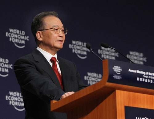 2008夏季ダボスフォーラム(第2回夏季ダボス会議)および世界経済フォーラムの新リーダーによる年次総会が27日、天津で開幕した。温家宝総理は開幕式でテーマ演説した。
