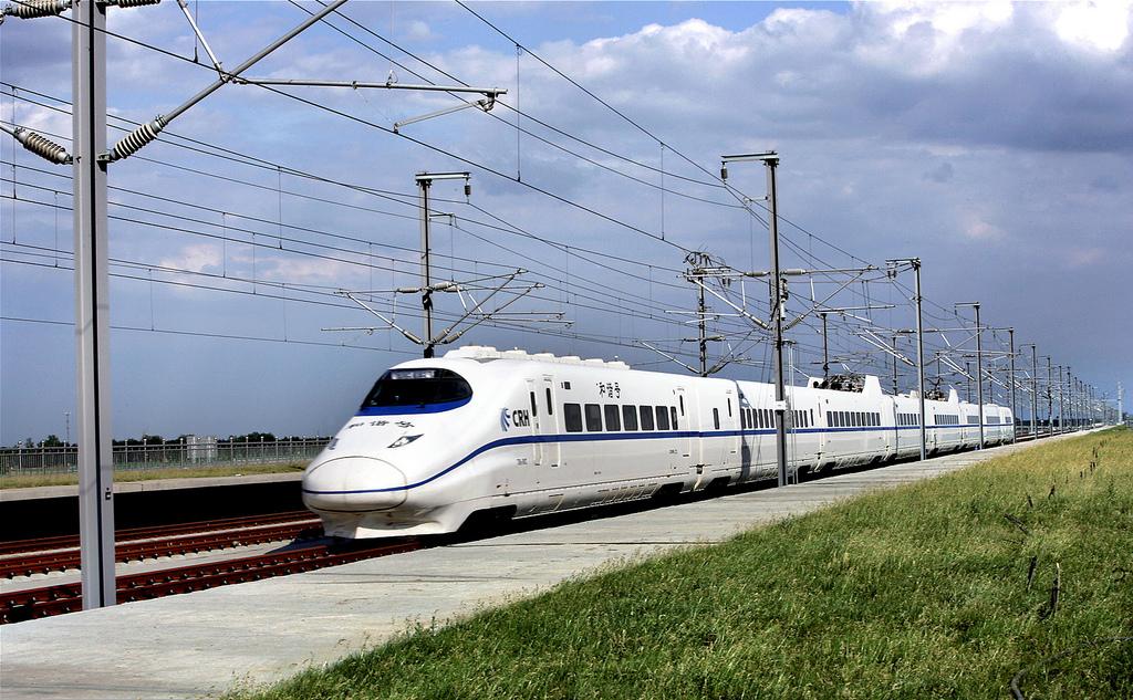 中国の高速鉄道、海外進出の足取りが加速 中国の高速鉄道の営業距離数はすでに6552キロに達し、う