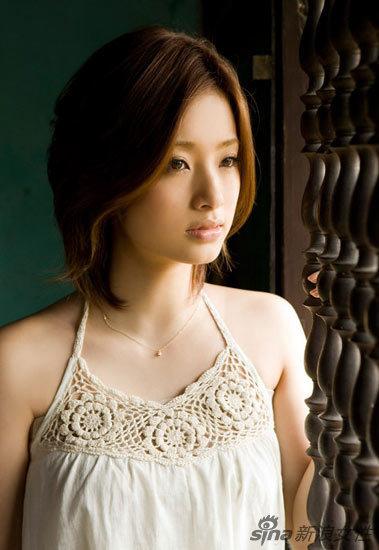 日本の女優上戸彩 ベトナムで新しい写真を撮影 Japanese China Org Cn