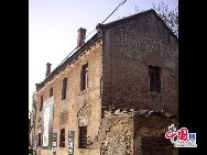 山東省濰坊市坊子の旧市街地にはドイツ式と日本式建築群が今でもほぼ完全な形で保存されている。膠済線沿い両側の地域には、合わせて103のドイツ式建築物と63の日本式建築物が残されている。「チャイナネット」