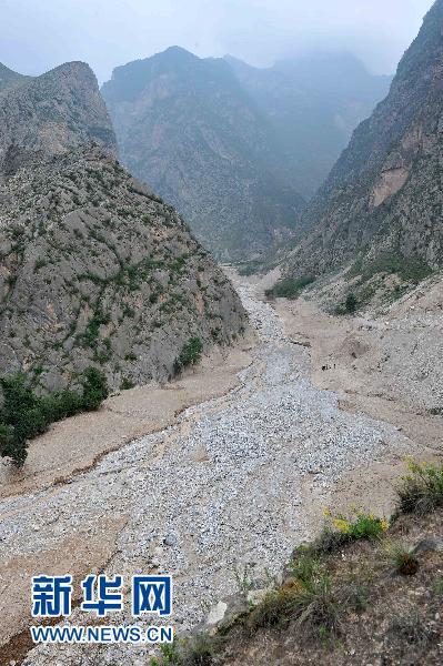 上空から撮影した舟曲県の土石流...