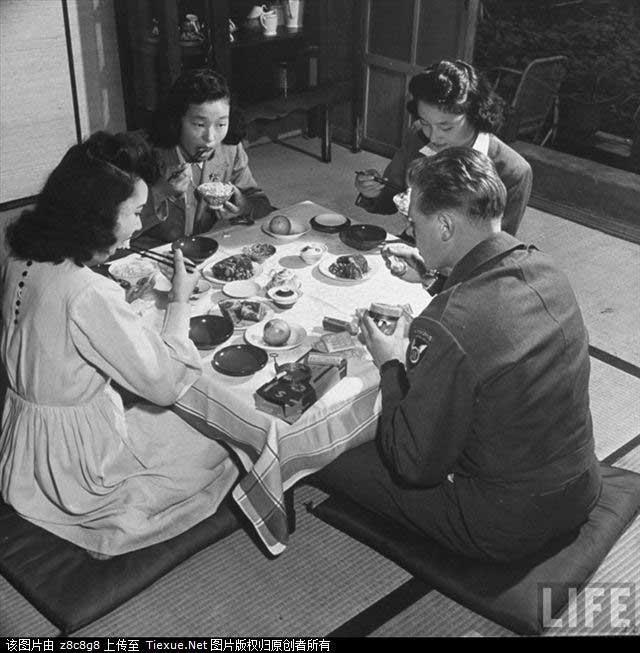 1946年撮影の米兵と日本人女性の愛情_中国網_日本語