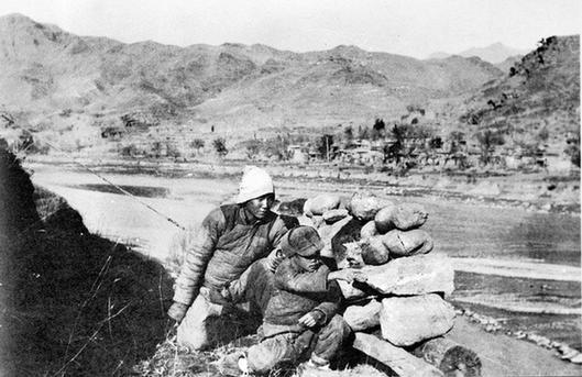 抗日戦争に参加した中国農民と子ども