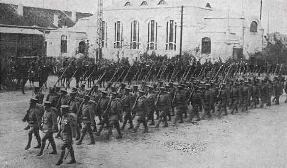 古写真で見る1914年の日独青島戦...