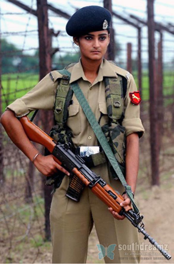 世界の女性軍人 一番美しいのは...